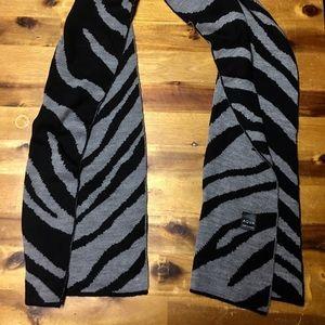 BNWOT Zebra Two Sided Scarf